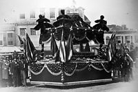 New 5x7 Photo: Mourners by Coffin of Slain President Abraham Lincoln, 1865