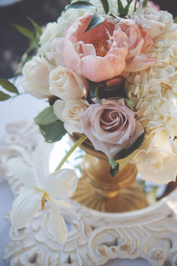 Soft and romantic outdoor wedding vintage