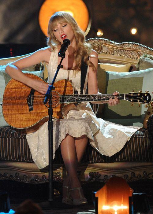 Taylor Swift's VH1 #Storytellers performance premieres November 11! #swifties
