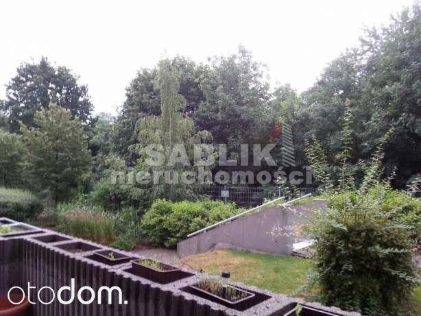 Zobacz to 2 pokojowe mieszkanie na wynajem w miejscowości Wrocław, Gaj, Jerzego Kukuczki, za cenę 1 700 zł/miesiąc. To mieszkanie na wynajem na parter piętrze ma 43 m² powierzchni użytkowej i 43 m² powierzchni całkowitej. Biuro nieruchomości  jako najważniejsze zalety mieszkania wymienia: taras, internet, drzwi / okna antywłamaniowe. Otodom 46168572