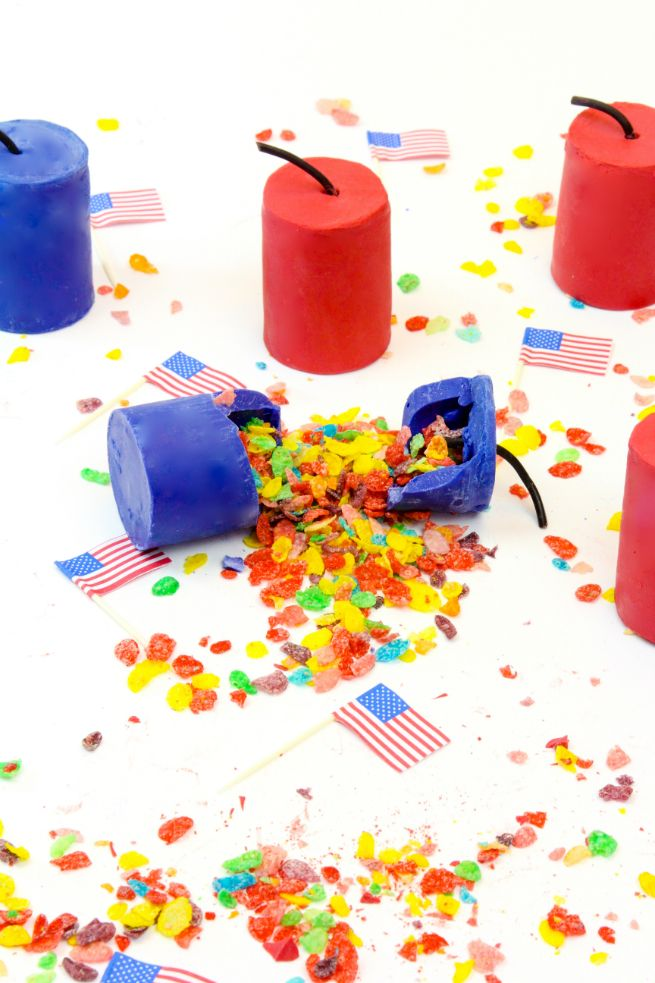 DIY Edible Fruity Pebbles Cereal Firecrackers! ⋆ Brite and Bubbly