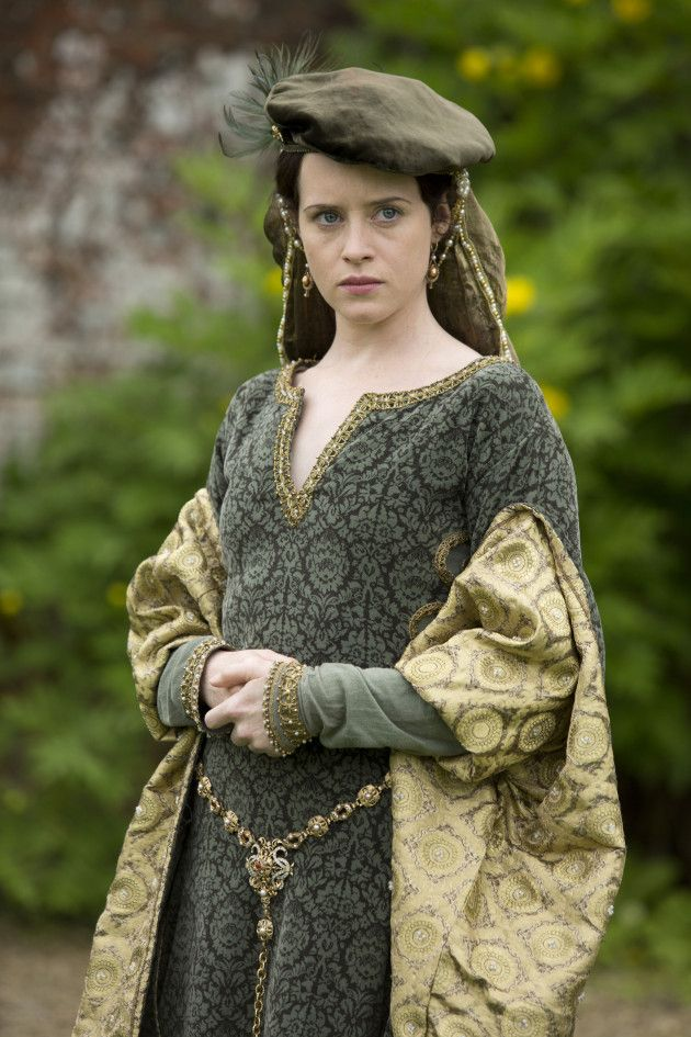 Why do they always get an actress with blue eyes to play Anne Boleyn?  Her defining feature were her dark eyes.