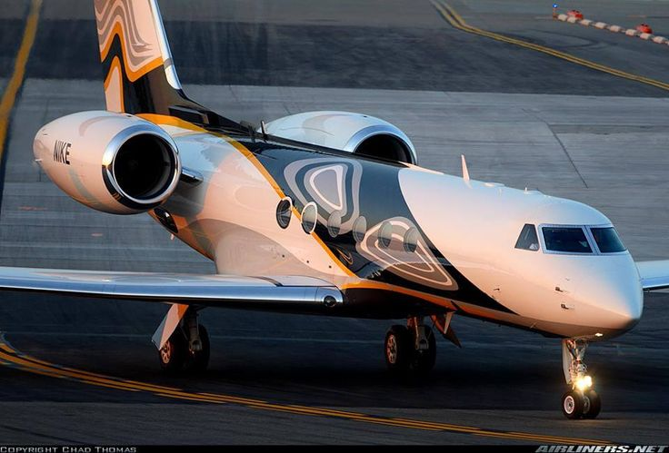 Gulfstream GV. Fighter jets, Gulfstream, Passenger jet