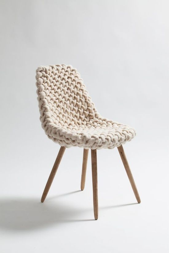 Voici une toute nouvelle rubrique : Les jolies choses. Pas de blabla, mais de bien jolies choses déco design. Comme cette chaise par exemple : A voir ici. Autres meubles ou objets design à voir absolument :Chaise vintageTop couteaux pour top chefFauteuils design Acari chez BinomeLes superbes réalisations de Wendy Tsao à partir de dessins d'enfants