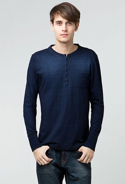 "Slim fit long sleeve t-shirt from Lee Cooper Autumn/Winter 2013, ""Han""! Available in red, green and phantom. Used it with chinos or your slim fit jeans, moccasin and fedora for casual look. If you want to look more geekish, use a glasses with a big frame."
