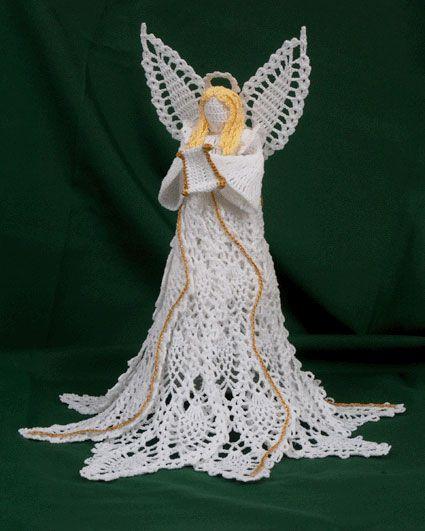 This crocheted angel is GORGEOUS! World Wide Artist Blog Hop » #Crochet Memories Blog