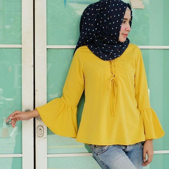 ㅤㅤ  Supplier Hijab Murah  ㅤ  Ready SN1246 @50rb  Bahan Peach Sofie  Seri 5 Warna  LD100 cm  P64 cm  ㅤ  Contact Us for more detail  Line: @ konveksi.hijab (pakai tanda @ yah)  WA: 0858 8533 3907  ㅤ  Store Location : PGMTA Lt LG Blok B No. 176