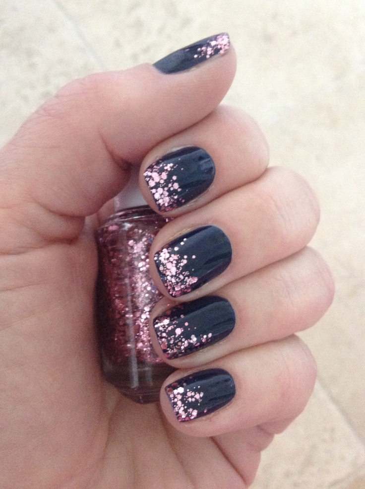 Nails • Navy with pink glitter tips