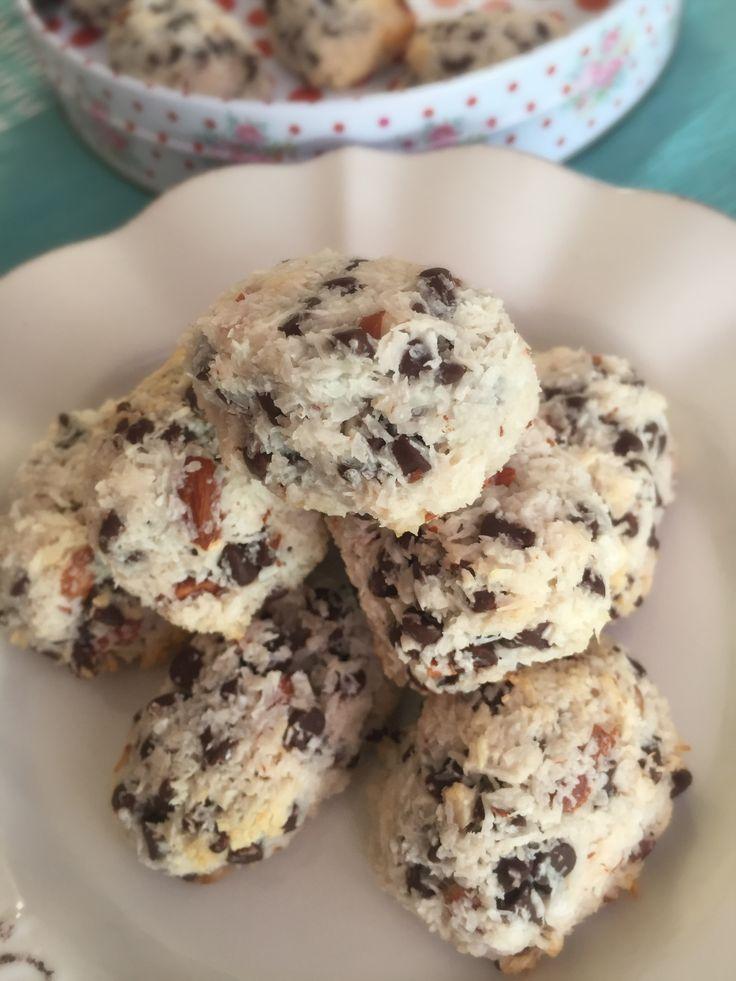 Galletas Almond Joy, deliciosas galletas muy rápidas de hacer con solo 4 ingredientes!