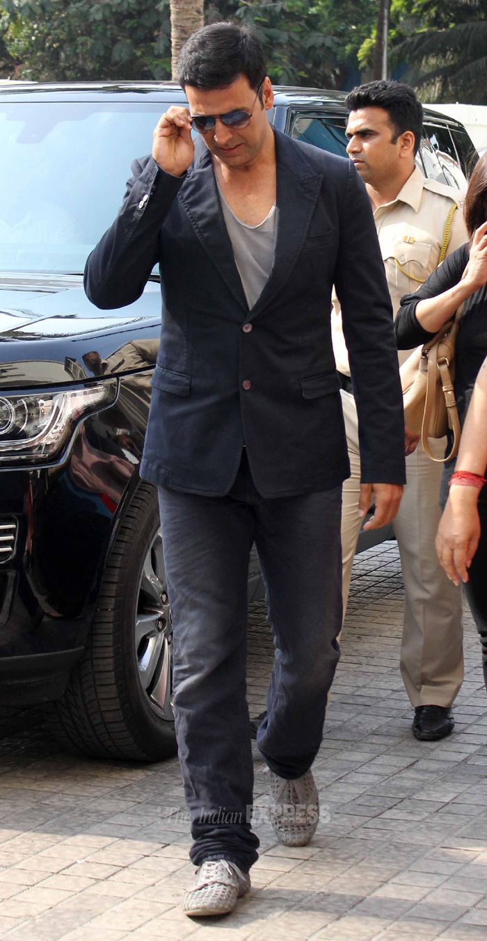 Akshay Kumar was seen in denims and t-shirt that he teamed with a blazer at the trailer launch of 'It's Entertainment' function. #Style #Bollywood #Fashion #Handsome