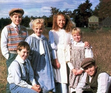 """The King cousins- Andrew, Felix, Sarah, Felicity, Cecily, with aunt Hetty's """"hired boy,"""" Peter Craig."""