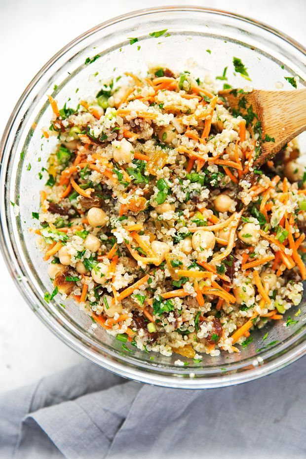 A quick quinoa power salad that that uses leftover quinoa, is vegan, and drizzled with a honey-lemon dressing. Moroccan chickpea salad is filling & healthy!