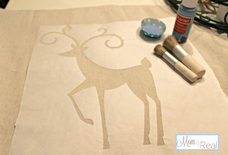 Reindeer Dropcloth Pillows Made With A Freezer Paper Stencil - Mom 4 Real
