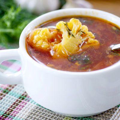 Magyaros karfiolleves - Ízletes leves percek alatt: Egy forró karfiollevest bármikor összedobhatsz, az íze remek, tele van fontos tápanyagokkal, ennél jobb nem is kell hétfőre!