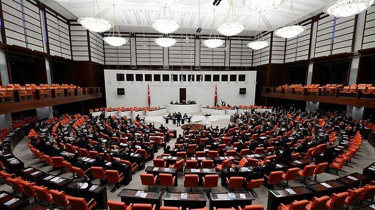 TBMM Dilekçe Komisyonu'na Yalova'dan başvuran Salih Karahasan ve arkadaşları ölene kadar nafaka ödenmesi yükümlülüğünün kaldırılmasını istedi. Yüzlerc...