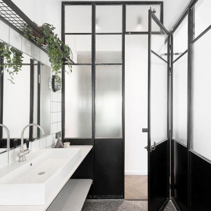 Bauhaus Apartment / Studio Raanan Stern Architect