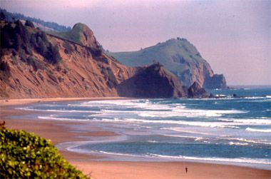 Lincoln City Oregon Photo Gallery: Rugged Beach at Lincoln City