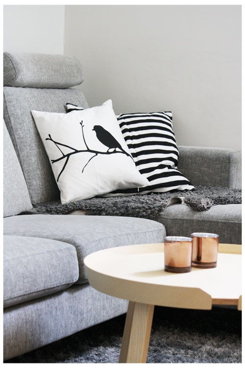 Via Annixen | H and M Bird Pillow | Muuto Around Table