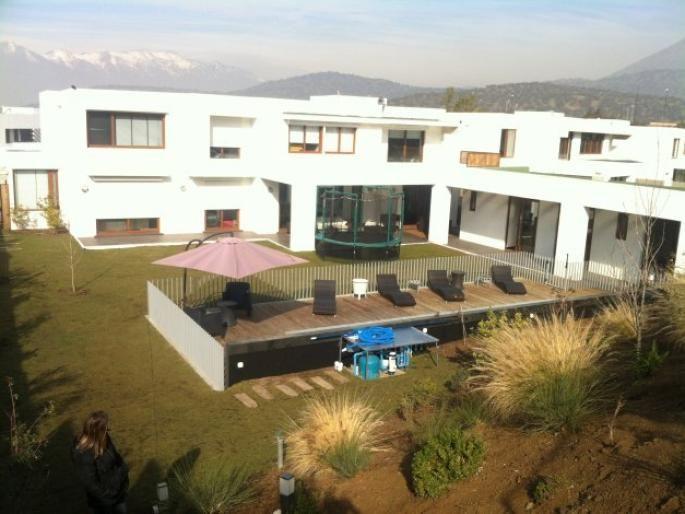Excelente casa mediterranea en condominio Informe de Engel & Völkers | T-1414608 - ( Chile, Región Metropolitana de Santiago, Lo Barnechea, Los Trapenses )