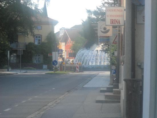 Bad Aibling, Germany: Ein Wasserfall in der Nähe der Pension :)