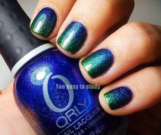 Modele de unghii in tendinte (blue manicure)