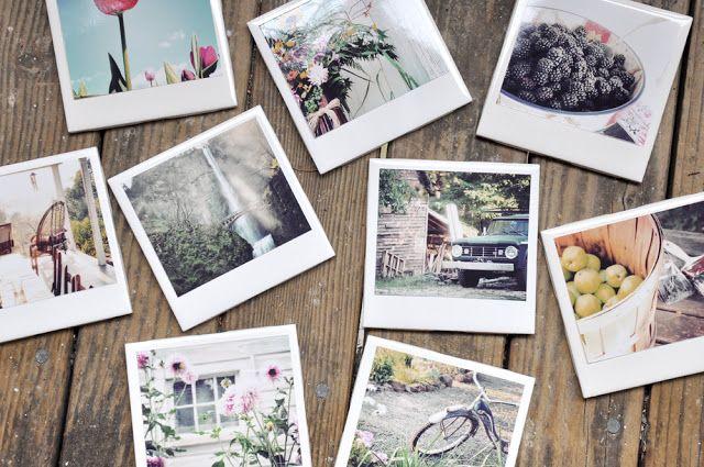 Créer un dessous de verre Polaroid  Matériel nécessaire :     de petits carreaux de carrelage blanc     des photos (aux bonnes dimensions)     du vernis colle     des patins antidérapants     un ordinateur (pour préparer les photos)