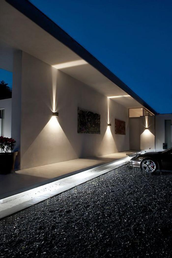 appliques extérieures, façade contemporaine avec un beau éclairage  d\u0027extérieur