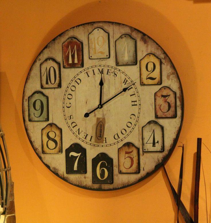 Relojes con colores fáciles de coordinar en cualquier color de pared.