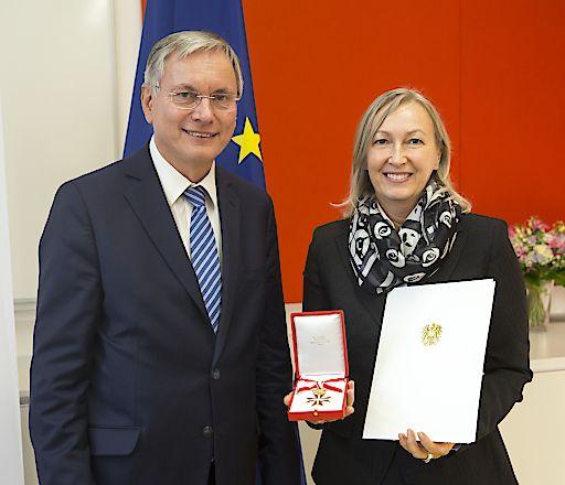 Kolping-Präsidentin Christine Leopold erhält das Goldene Ehrenzeichen der Republik Österreich