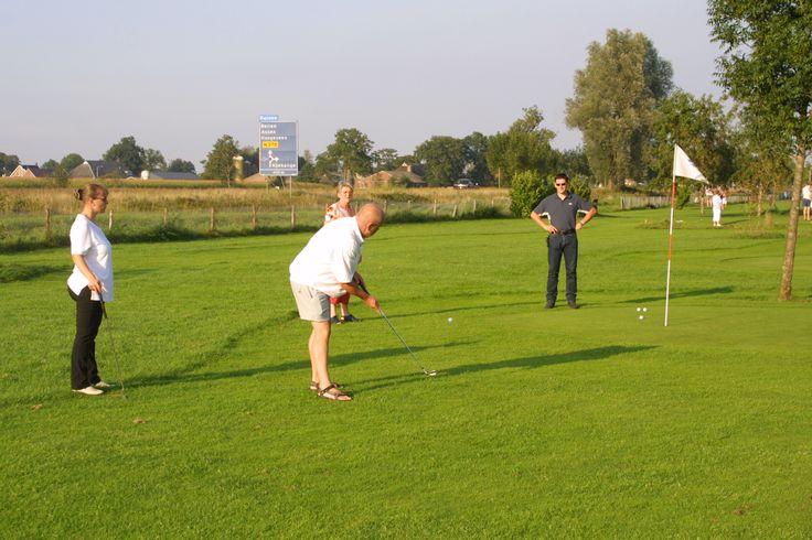 Gezellig #uitje met #collega's #vrienden of #familie : ga eens #pitchenputt golf spelen in #Koekange #Drenthe