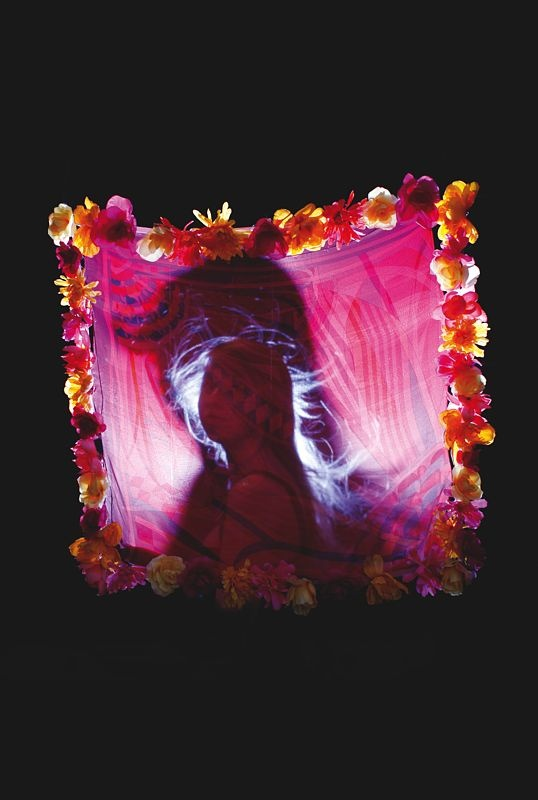 Olivia in silkland.  Le Monde d'Hermès n°61.  For Hermès Olivia Bee has pictured a world of silk :  http://youtu.be/mHCQ2Zoo8uI