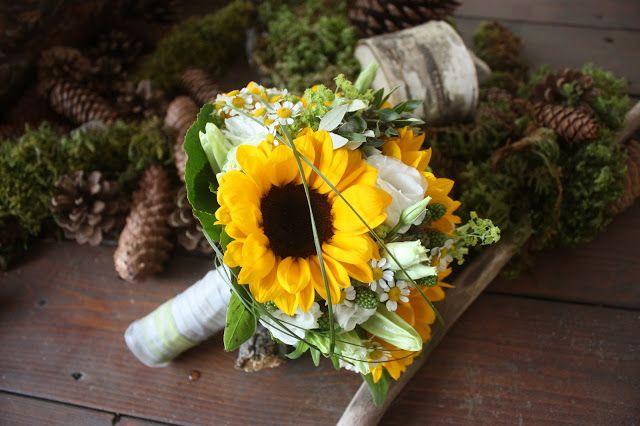 Sonnenblumen-Brautstrauß mit Kamille von Passiflori Blumen Penzberg - Wedding bouqet sunflowers and camomille