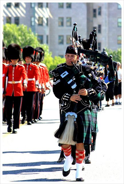 Ottawa bagpipers changing of the guards