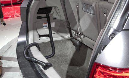 2014 #Honda #Odyssey  It now has an onboard #vacuum. Seriously. http://www.miltonmartinhonda.com/vehicle/specs/honda/odyssey/2013