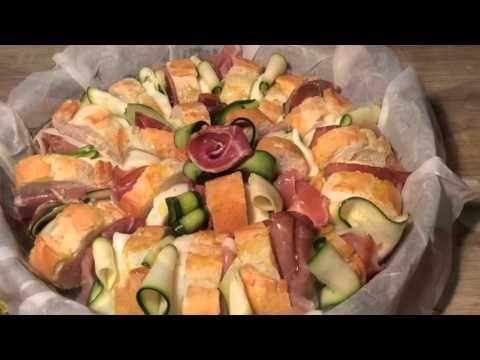 Un viandante in cucina: Corona di baguette con speck e zucchine