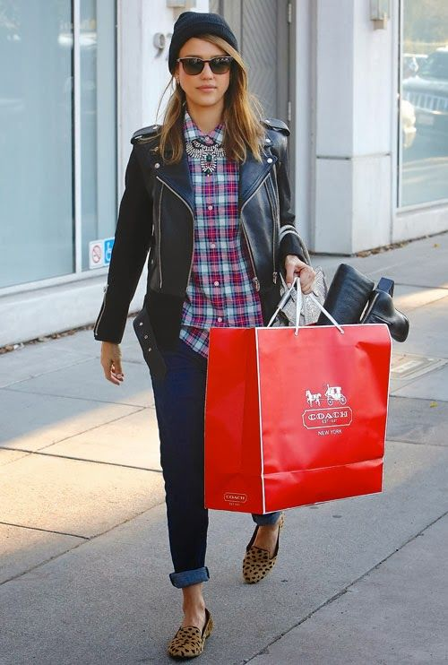 Jessica Alba Style - pair a statement necklace over a plaid shirt for a great look