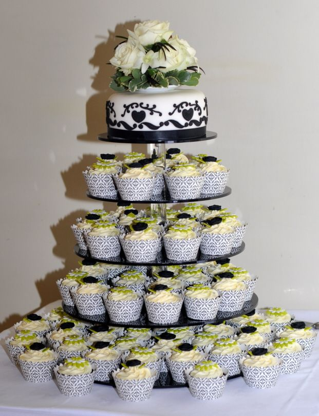 lime green and black wedding cakes 22 best black green and white cake table images on 16893
