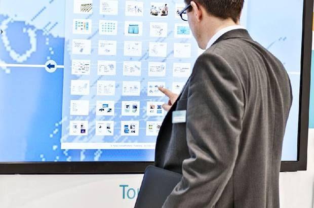 Tώρα νέες διαστάσεις αποκτούν εκδηλώσεις, συνέδρια, εκθέσεις, παρουσιάσεις προϊόντων χάρη στις οθόνες Multi-Touch Screens που πρώτη η Visiontech φέρνει στην Ελλάδα.
