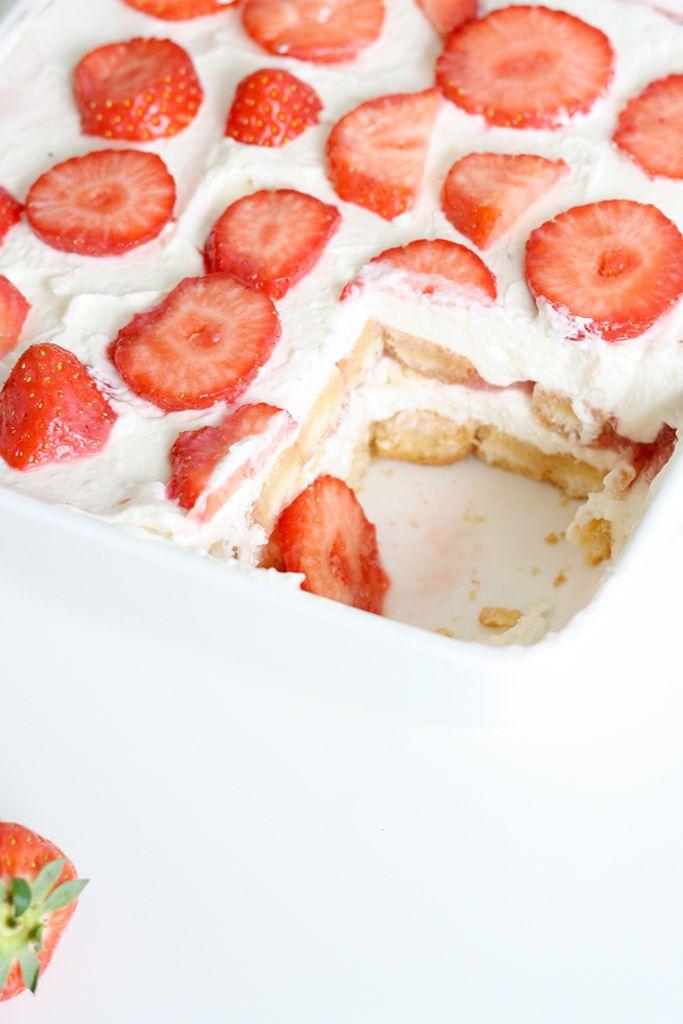 Strawberry Tiramisu | Peek Inside, May 2015 [Original recipe in Dutch]