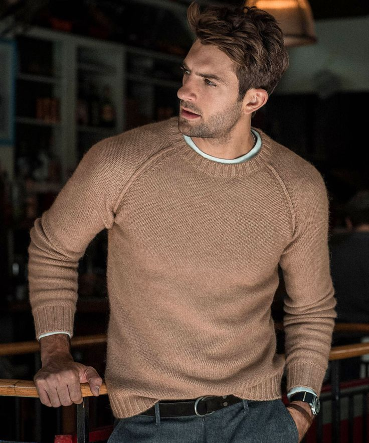 This is how you wear a fall sweater -- the Raglan Crew via #ToddSnyder is an awesome one!