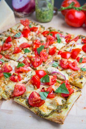 Bruschetta Chicken Pesto Tart #antipasti #appetizer #entertain