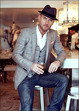 friday night outfit ...now go forth and share that BOW & DIAMOND. The hat, jeans, that glass, the grey suit jacket and more? Just works!