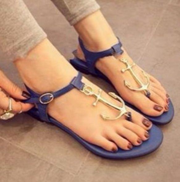 Anchor sandals! I loooove anchors!