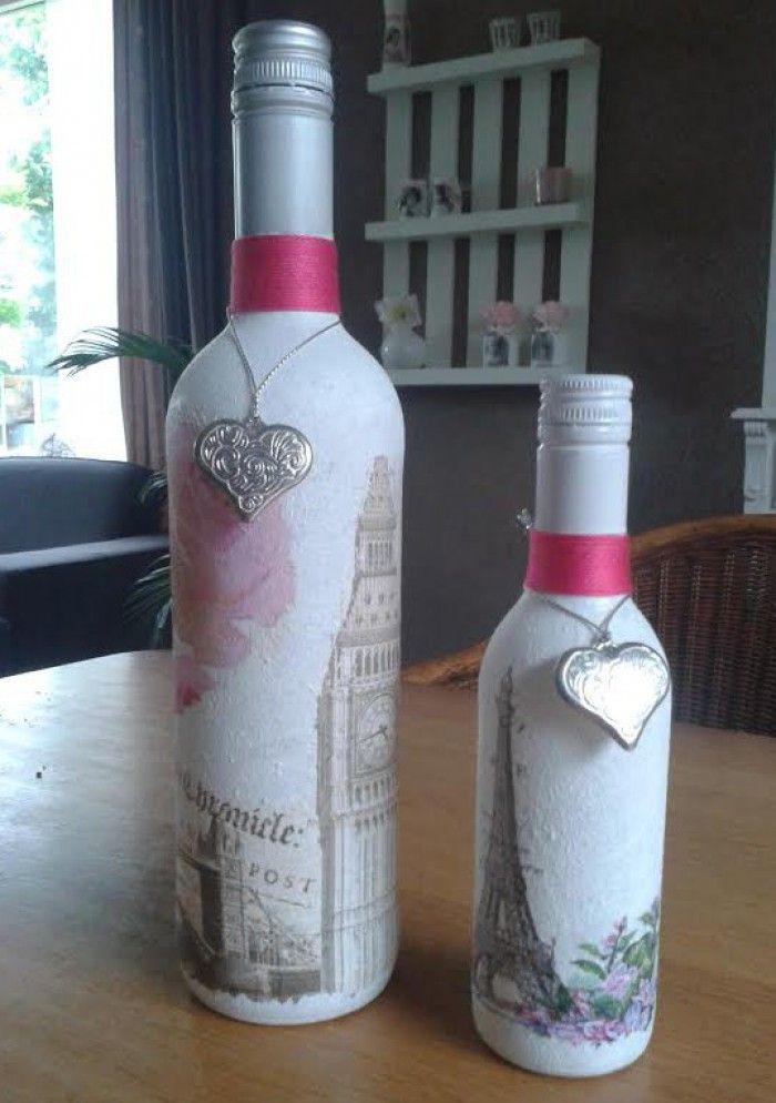 2 wijnflessen gepimt met gesso servetten touw en hartje