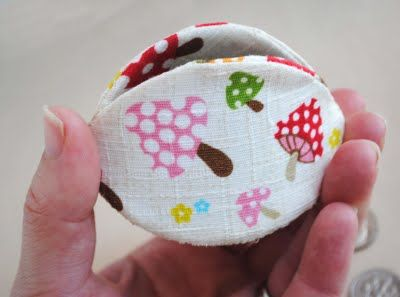 Coin Purse made from yogurt lids. Very cool!
