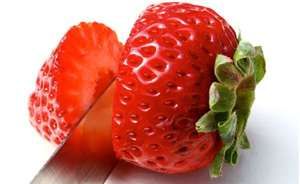 25 Best Benefits and Uses Of Strawberries For Skin, Hair and Health | StyleCraze