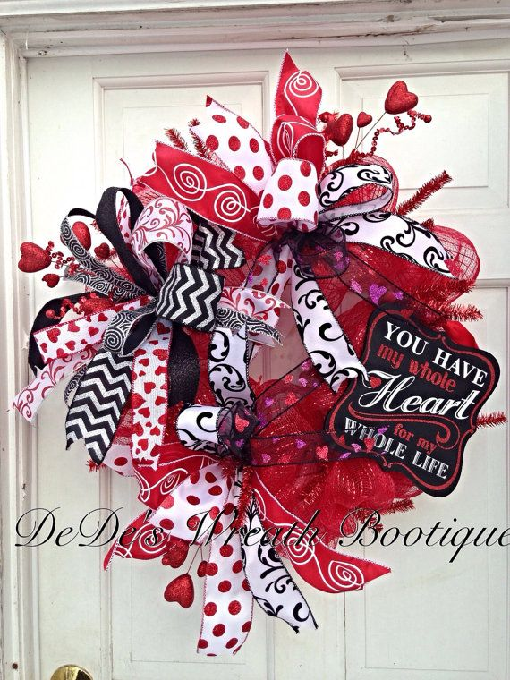 Deco Mesh Valentines Wreath in Red Black by DeDesWreathBootique