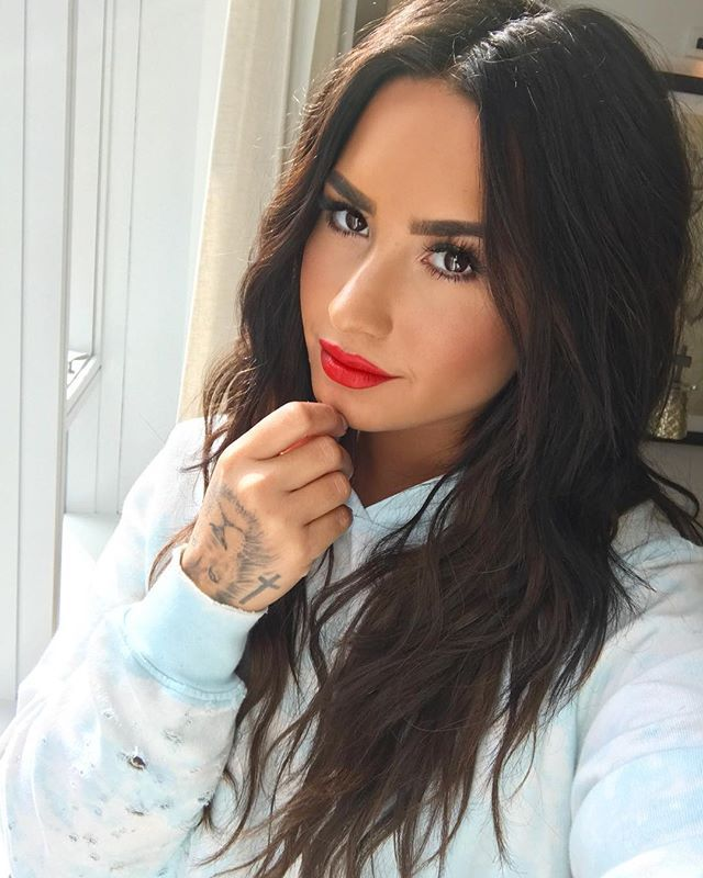 19121948 1304555469642309 1549787821470908416 n You Need to See Demi Lovatos New Dark Chocolate Brown Hair for the Summer