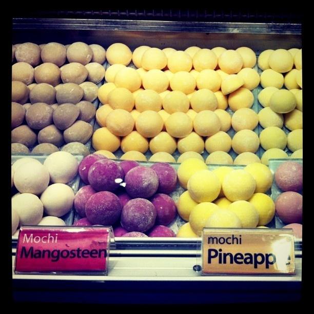 mangosteen pineapple