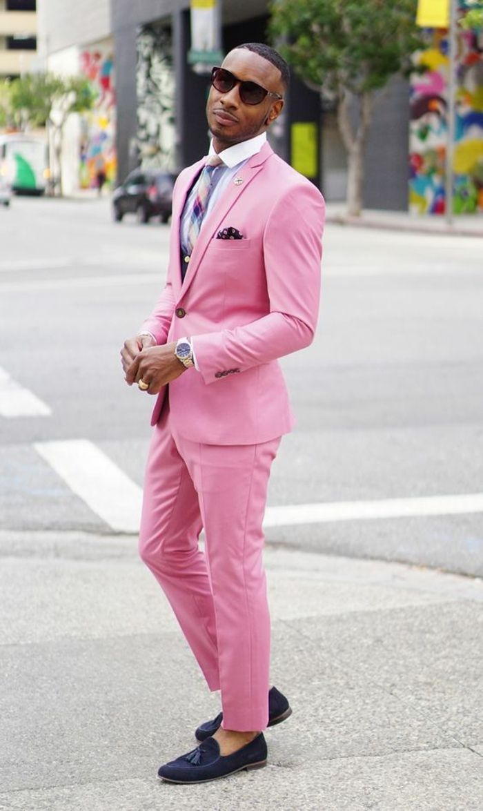 543a3704440 costume-rose-flamant-montre-bracelet-dore-tenue-homme-chic-marque-vetement- homme-tendance